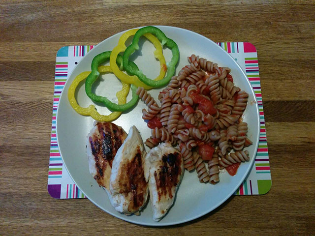 chicken-brown-pasta-peppers