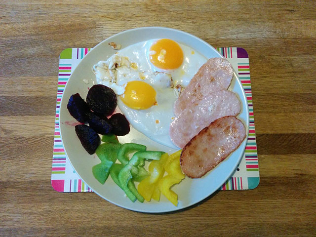 turkey-rasher-duck-egg-beetroot-peppers